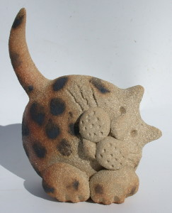 ceramic cat, jane adams ceramics, stoneware, cornwall