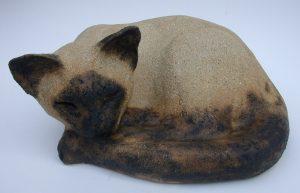 siamese cat, ceramic siamese cat, sleeping cat, jane adams ceramics