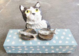 cat ornament, narrative ceramics, fish tea, cat ornament, stoneware cata, hand made pottery cat, pottery ornament, jane adams ceramics, cornwall