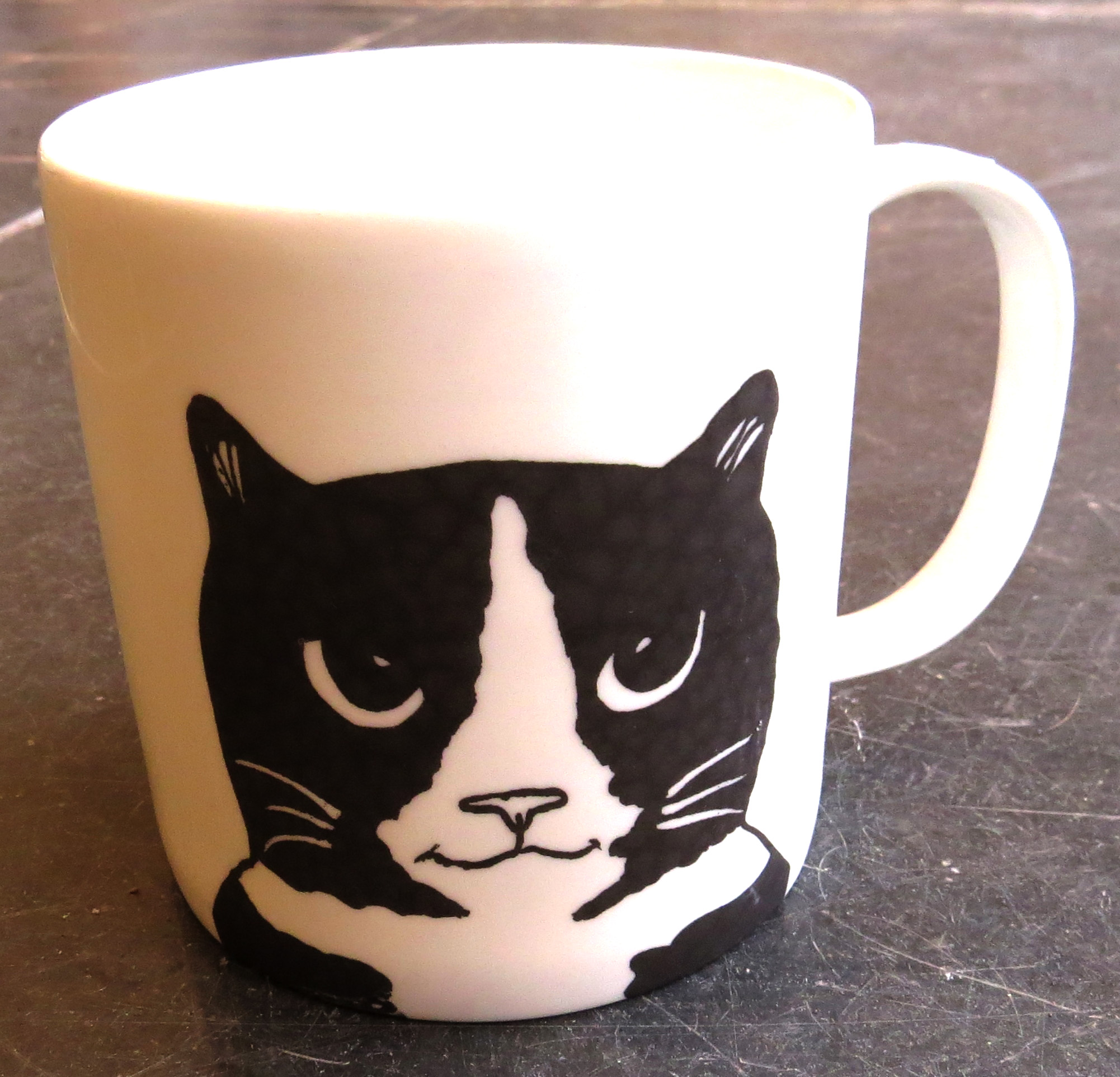 Cat Paw Mug White
