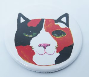round magnet, tortie cat, fridge magnet, pawprint designs, jane adams, cat themed gifts, fridgemagnets