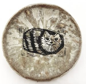 trinket dish, ring dish, ceramic dish, linocut, cat design, pawprint designs, tabby cat, cat pottery, ceramic cats, cat gifts, jane adams ceramics, cornwall