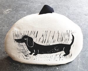 teacosy, tea cosy, large teacosy, daschund design, handmade, linocut