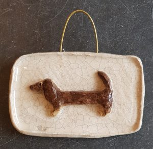daschund, pottery daschund, ceramic dogs, ceramic daschund, wall hanger, crackle glae, jane adams ceramics