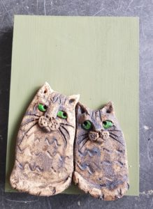 ceramics, ceramic cats, handmade ceramics, pottery cats, cat ornaments, wall plaque, jane adams ceramics, cornwall