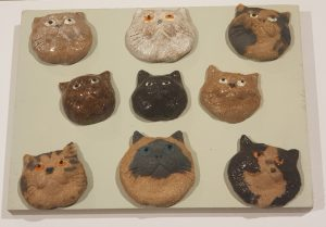 wall plaque, cat ornaments, pottery cats, cat ceramics, nine lives, jane adams ceramics